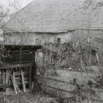 Blick auf eingefallene rückwärtige Anbauten