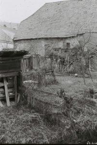 Blick vom Mühlgraben auf Rückseite der Mühle