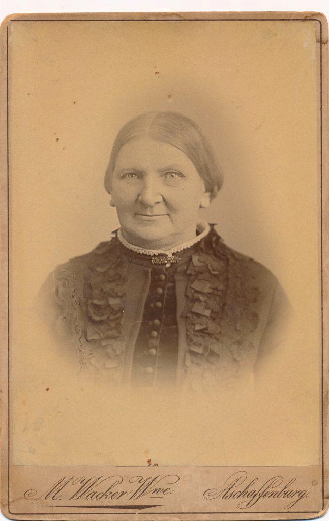 Josefa Holl, geb. Dunkel. 1888 (c) Schunck
